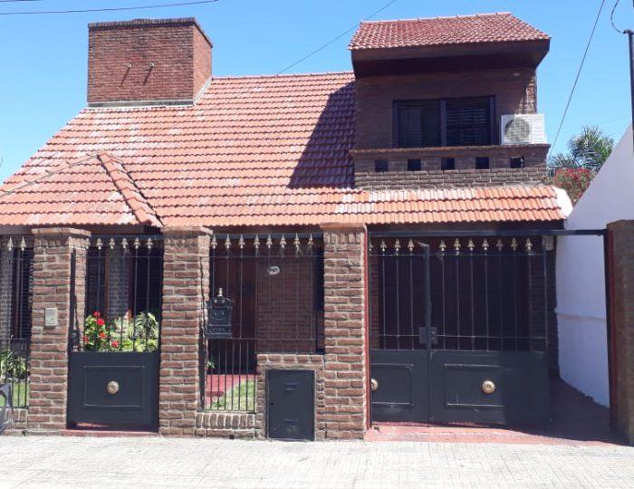 Casa calle 527 e/8 y 9